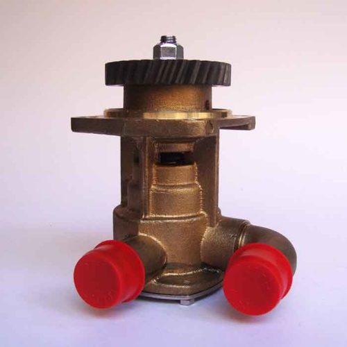 Pompe eau de mer d'origine pour moteurs Yanmar:    4JH3-DTE, 4JH3-DTE-YEU, 4JH3-HTE, 4JH3-TE, 4JH3-TE-YEU, 4JH3-E, 4JH3-TCE, 4JH3-CE, 4JH3-CE1    4JH4-HTE, 4JH4-HTE1, 4JH4-TE    4JH110, 4JH80-3JH3E, 3JH3-CE, 3H3E-YEU Yanmar 3JH3 / 4JH3 / 4JH4HTE / 4JH110 / 4JH80