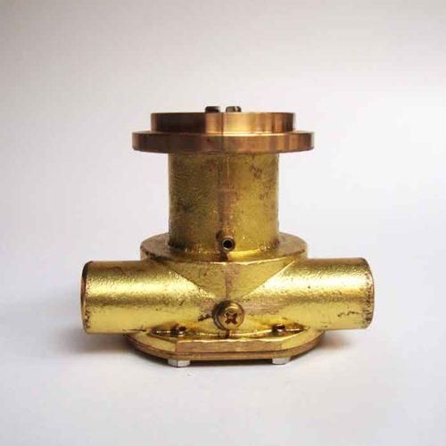 Pompe eau de mer adaptable pour moteur FPT IVECO Série 4000    4021 M17 / 4021 M20 / 4031 M25 / 4031 M30 / 4041 M22 / 4041 M39 / 4041 M40     FPT IVECO   4021 M17 / 4021 M20 / 4031 M25 / 4031 M30 / 4041 M22 / 4041 M39  / 4041 M40