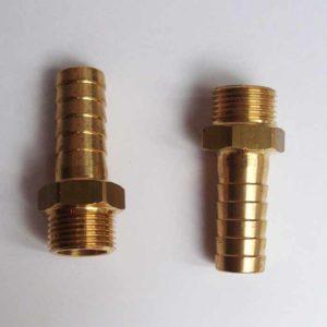 Le kit raccords se compose de 2 embouts filetés pour entrée et sortie eau de mer de la pompe 3/8 x 13mm Kit raccords 13